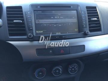 Установка штатного головного устройства в Mitsubishi Lancer X