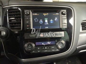 Установка штатного головного устройства в Mitsubishi Outlander
